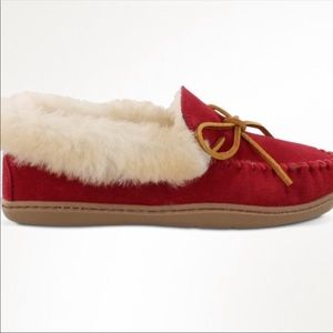 Minnetonka Sheep Fur Moccasins SIZE 10